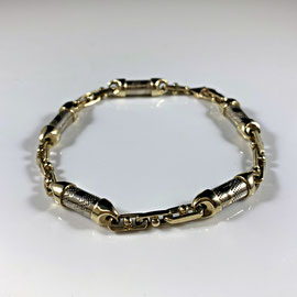 AN 129 - 10K two toned bracelet.