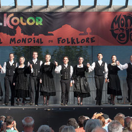 Ensemble Bleuniadur (Saint-Pol de Léon - Bretagne - France) Photo Philippe Mourembles - FOLKOLOR 2014