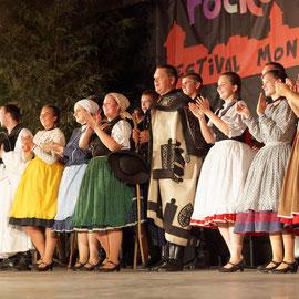 Szélrózsa Néptáncegyüttes (Földes - Hongrie) Photo A.DELHAYE/FOLKOLOR 2013