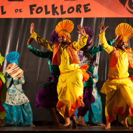 Bhavana Theatre for Arts & Punjabi Bhangra Folk (Inde) Photo M.RENARD/FOLKOLOR 2013