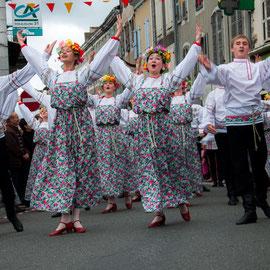 Solnechnaya Raduga (Russie) Photo Philippe Mourembles - FOLKOLOR 2014 – à Festival Mondial de Folklore de Montréjeau.