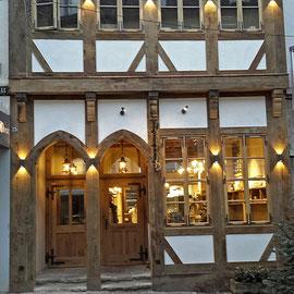 Weil dieser Bäckermeister den Meister Wirleitner kennen gelernt hatte, beschlossen beide dieses alte originale Haus wieder herzustellen.