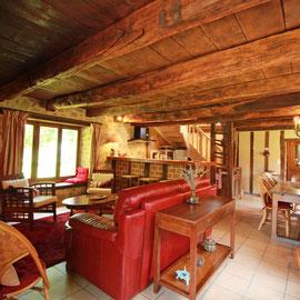 Le Vieux Domaine, au Masbareau,le séjour,Gite rural de caractère, tout confort en peine nature à Royères en Limousin, prox Limoges, St Léonard-de-Noblat,Haute-Vienne, Nouvelle Aquitaine