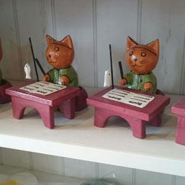 """木彫り""""学習ネコ"""""""