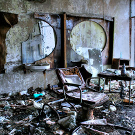Piano-Barber & TV Shop Exclusion Zone Chernobyl