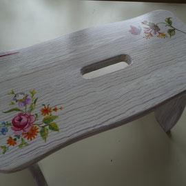 Tabouret en bois peint - Imitation bois cérusé & décor florall- Pascale Richert