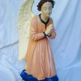 Statue religieuse en plâtre après restauration - Ange (80 cm ) - copyright Pascale Richert
