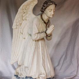 Statue religieuse en plâtre avant restauration - Ange (80 cm ) - copyright Pascale Richert