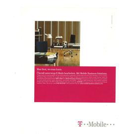 Man liest, wo man kann. Überall unterwegs E-Mails bearbeiten. Mit Mobile Business Solutions.