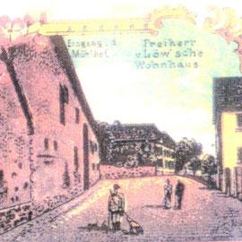 Foto Sammlung Gerda Bonarius: Steinfurther Hauptstraße um 1900 - links der Mühlhof, im Hintergrund das Freiherr von Löw'sche Wohnhaus