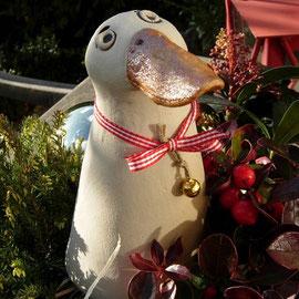 Weihnachtsgans aus Keramik