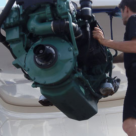 TPS  Concessionnaire Volvo Penta Hyères peut réaliser la remotorisation de votre bateau.