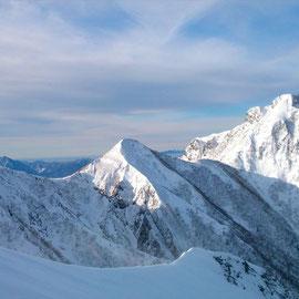 中岳・阿弥陀岳。こっちも行きたい。