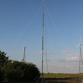 10m Kurbelmast Klöckner Humboldt Deutz KM 10/7 mit 2 facher Abspannung auf 5,5m und 10m, aufgesetztem Rotor und 9 Element Yagi