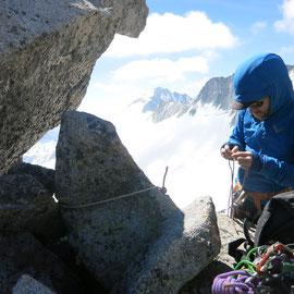Brecha de acceso al  Pico de la Madaleta