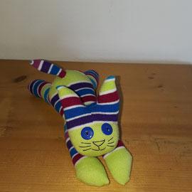 Sockenkatze, grün-bunt gestreift