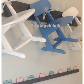 Schulstühle.....Weiß, Blau......* je 60€