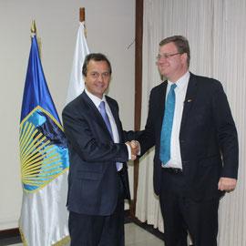 Alejandro Fros, Representante a.i. del BID en Guatemala y Thomas Solomon,  Director Nacional de Visión Mundial