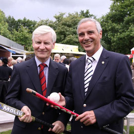 Dr. Henning Voscherau und TG Heimfeld Vorstand Dierk Seibt