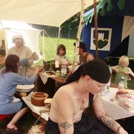 mittagessen vorbereiten,privates Lager ohne Touristen