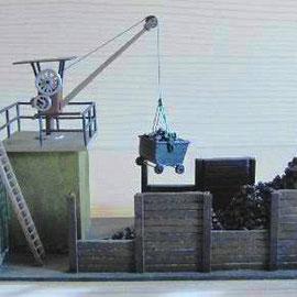 (c) W. Fehse - Kran mit Unterbau und Brüstungsreeling