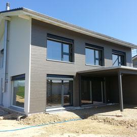 Fisa AG, Abgasanlage an Fassade für Cheminéeofen