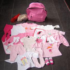 Waslijn met meisjeskleertjes