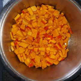Vorbereitung, glutenfreie Kürbis Kokos Suppe