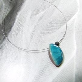 détails de ce bijou- collier- céramique