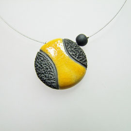 voir collier ceramique raku jaune