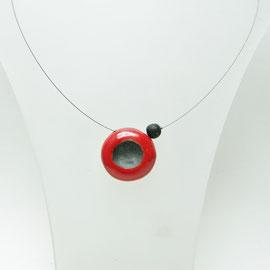 fiche de description de ce collier rouge et noir- céramique artisanale
