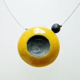 decouvrir collier cratère jaune en céramique raku