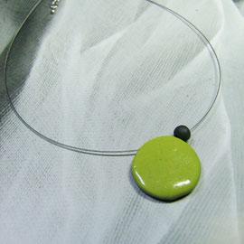 fiche de description du collier ceramique raku vert
