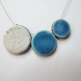 fche descriptive du collier blanc et bleu raku