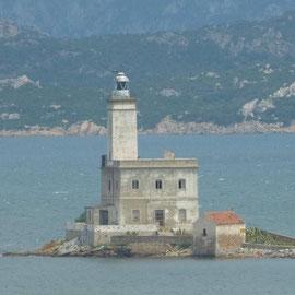 Leuchtturm in Sicht; Olbia erreicht