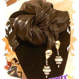Art. 201 - Sciarpa o stola di seta nera con preziosissimi ciondoli swarovski!