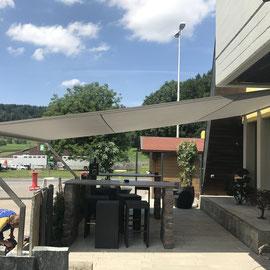 Sonnensegel Shade One Restaurant Chommle Gunzwil