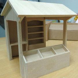 Etal de marché miniature en bois