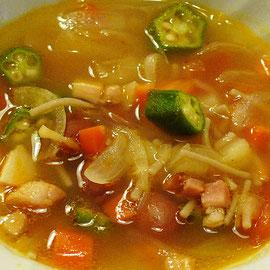 野菜のミネストローネは塩とトマトの旨みを活かす