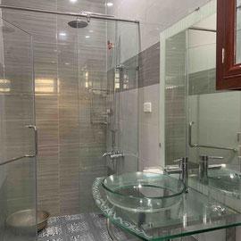 Douche et lavabo Mensis 1