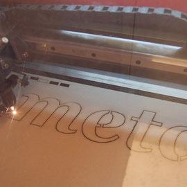 Schablone im Lasercutter