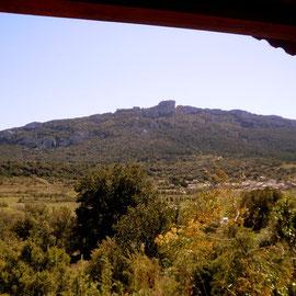 le chateau de peyrepertuse, vue depuis la terrasse du gite corbières