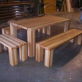 Moderne Tischganitur aus massiver Esche im rustikalem Stil