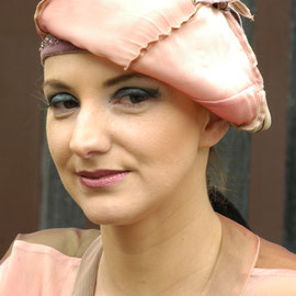 5. Modul - Stoffhüte - Christine Rohr Academy of Millinery and Textile Arts