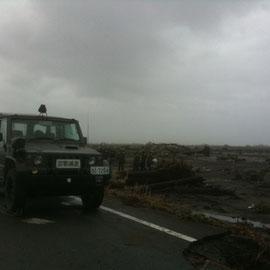 海岸の瓦礫撤去がびっくりするほど進んでいます。自衛隊の皆様の懸命な作業に敬意を表します。