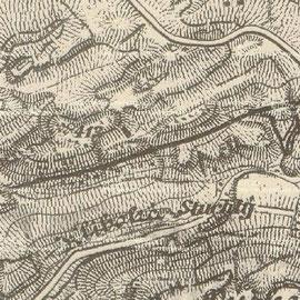 Um 1900 waren die Kalksteinbrüche noch verhältnismäßig klein. Der bereits fertig gestellte Eisenbahnanschluss unterstreicht die Bedeutung der Lagerstätte für die Eisenverhüttung in Kladen (Kladno).