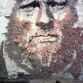 Vhils-street-art-6