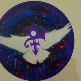 Prince Peace and Love symbol street art sur vinyle