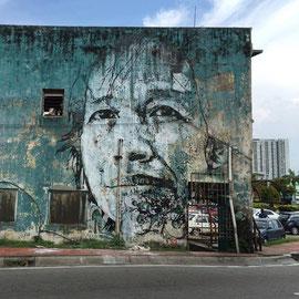 Vhils-street-art-7
