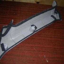 Пластиковые панели ВАЗ Приора проклеены Герметоном 7